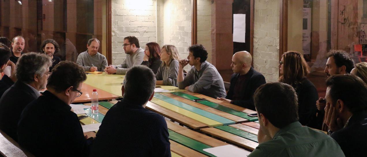 Debate publicidad y diseño en la comunicación institucional